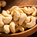 cashews nutrition facts